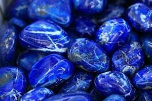 piedra azul oscuro