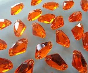 Piedras preciosas naranja