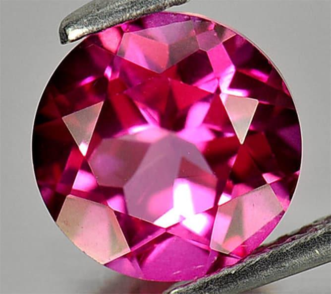 Topacio rosa tallado