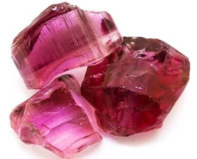Piedra turmalina rosa