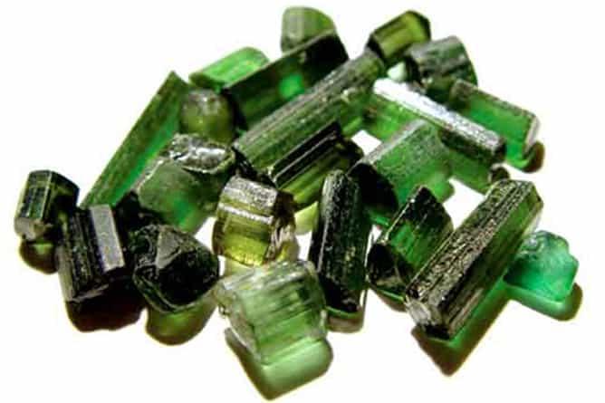 Piedras turmalina verde